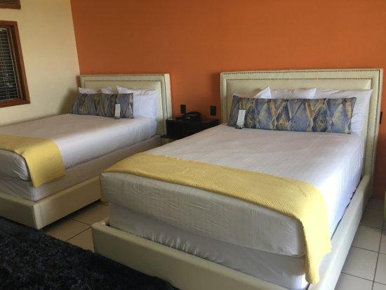 Blockade Runner Beach Resort: 4th floor balcony room