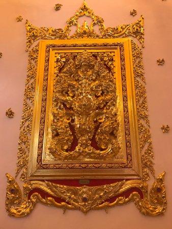 Wat Phra That Nong Bua: วัดสวยมาก สวยกว่าภาพถ่าย
