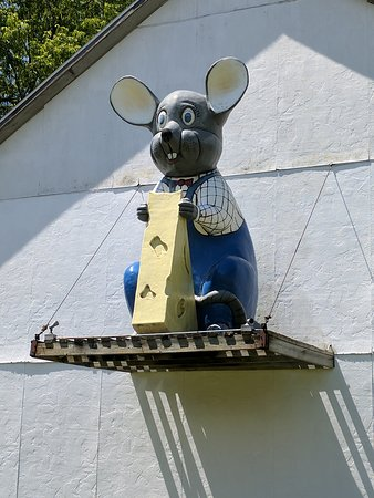 Marinette, WI: Joe's Cheese House