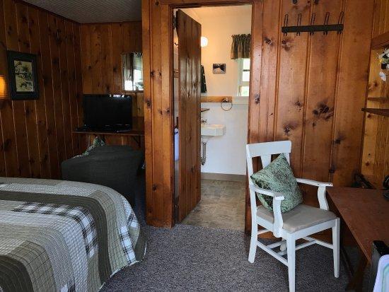 Honor, MI: Cedar Ridge Cabins