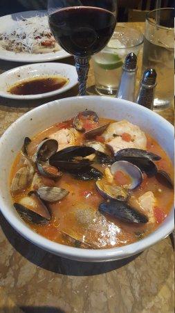 Gale's Italian Restaurant and Bar: 20170504_193350_large.jpg