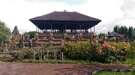 Taman Wisata Kertha Gosa