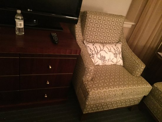 Queen's Landing: Shoved in chairs that barely fit the space in a so called PREMIUM room. Pathetic.