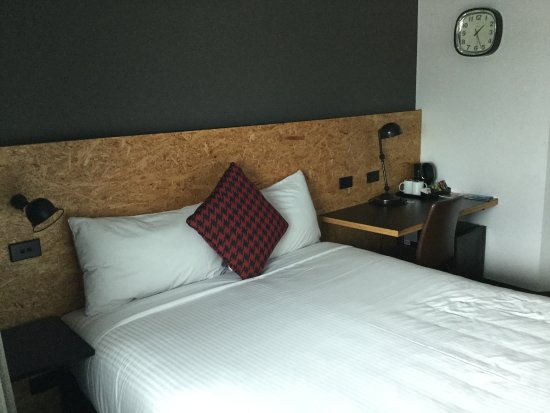 Ibis budget Sydney East: Bed.
