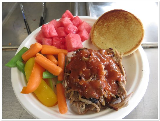 Mount Vernon, OH: Pulled pork w mango sauce, mixed veggies, and watermelon