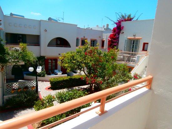Nissia Kamares Hotel Apartments Photo
