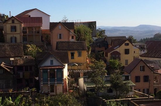 Antananarivo Tour with Lemur Park and...