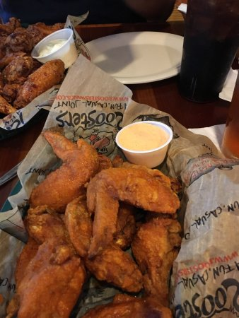 Roosters Wings: photo3.jpg