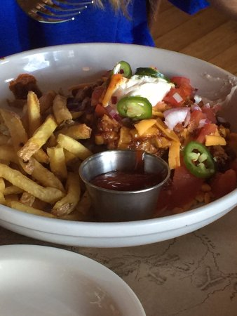 Ted's Montana Grill: chili burger