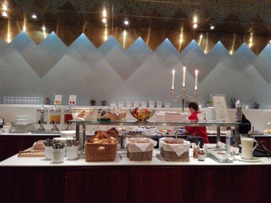 Elite Plaza Hotel Malmo: Parte del desayuno...