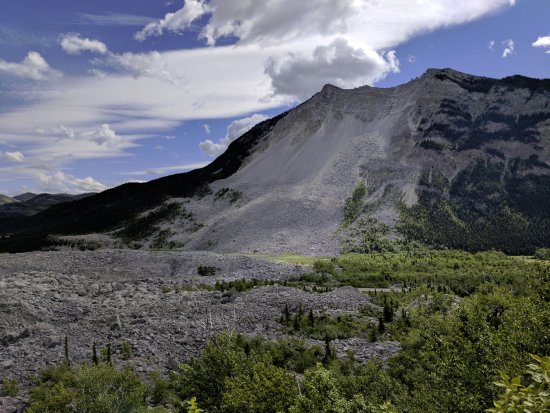 Crowsnest Pass, Canada: Turtle mountain.