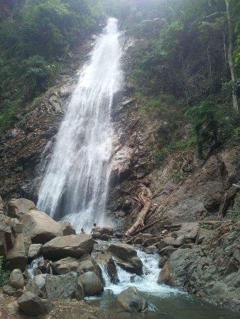 Khun Korn Waterfall: received_1269779816473296_large.jpg