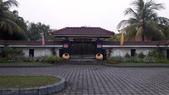 Cilegon, Indonesia: bangunan kolam renang