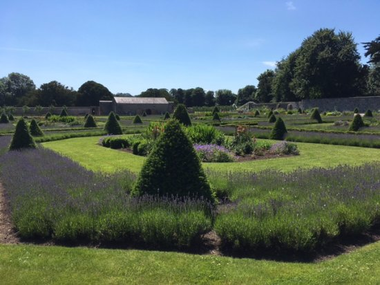 County Meath, Ierland: The Beautiful Gardens.
