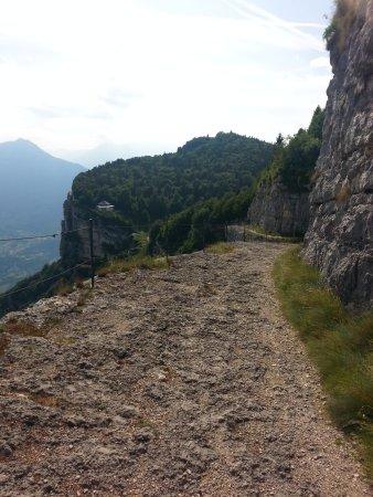 Cogollo del Cengio, Italia: Il salto