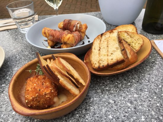 Middle Swan, Australia: Churros, Cheese square and bread