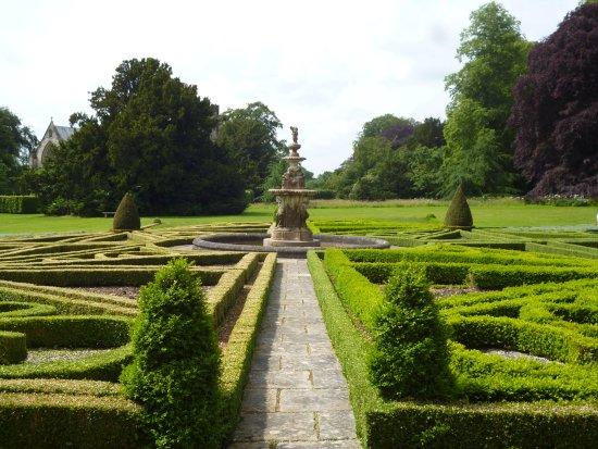 Driffield, UK: Formal Garden