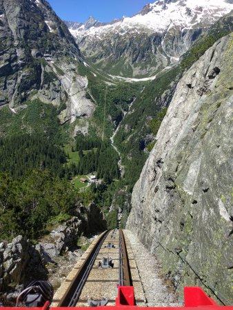 Innertkirchen, Ελβετία: Gelnerbahnfahrt und runter gehts...