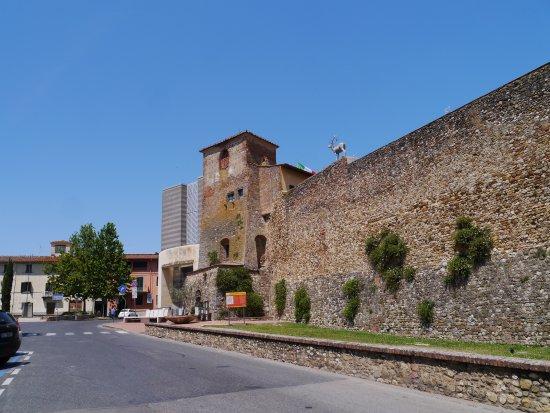 San Casciano in Val di Pesa, Italy: Mura