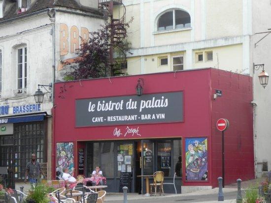 Auxerre, Prancis: Terras