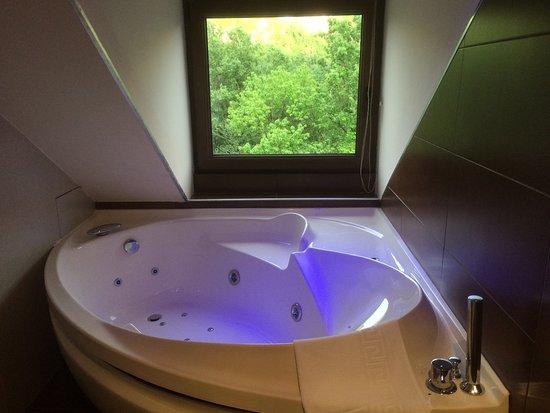 El Pueyo de Jaca, Испания: La bañera de hidromasaje