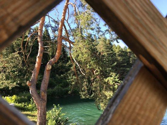 Calalzo di Cadore, Italia: La meravigliosa veduta del lago dallo chalet!