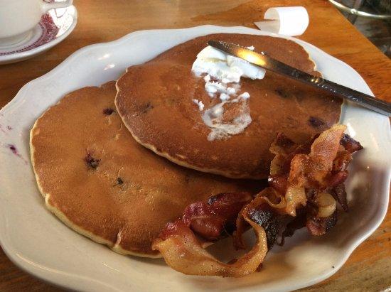 Mendon, VT: blueberry pancakes