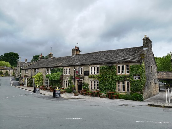 ‪‪Burnsall‬, UK: Front of the hotel‬
