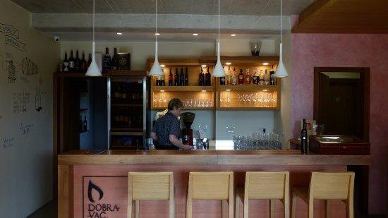 Villa Dobravac: Bar