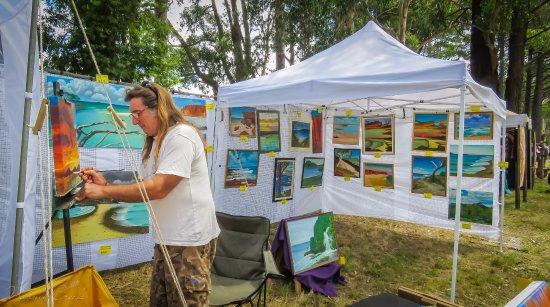 Emerald, أستراليا: See artists at work