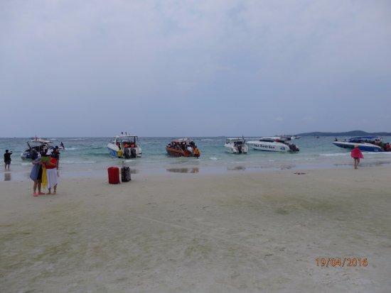 Rayong Province, Thailand: Koh Sametin ranta.