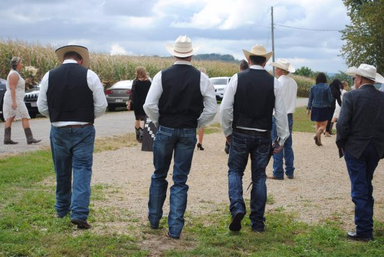 Galena, IL: True County Barn Weddings
