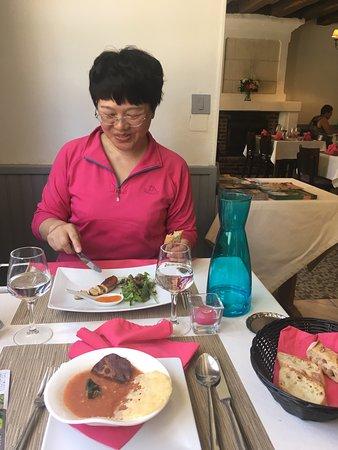 La Petite Auberge: 听他们聊天 是新换的老板 菜很精致 也好吃 价格比之前贵 两道套餐加三道套餐将近50€