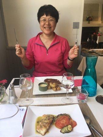 Huismes, France: 听他们聊天 是新换的老板 菜很精致 也好吃 价格比之前贵 两道套餐加三道套餐将近50€