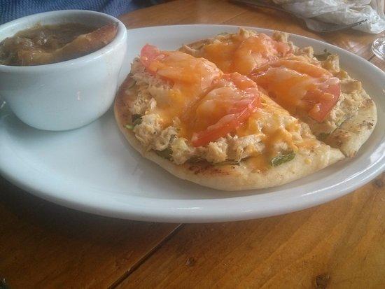 Smith's Cove, Canada: Tuna Melt on flat bread