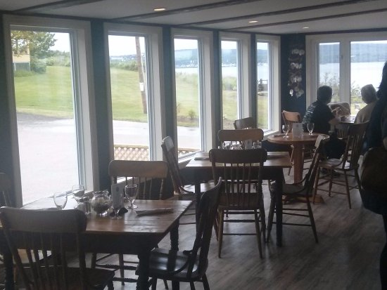 Smith's Cove, Kanada: partial view of dining area