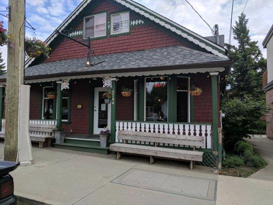 Cumberland, Canada: 4 Quarters Restaurant