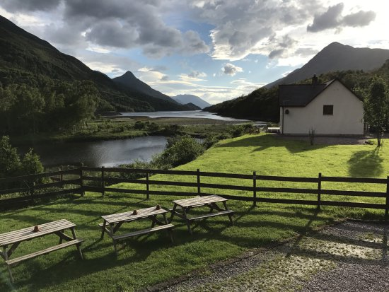 Kinlochleven, UK: View from hotel bar/restaurant.
