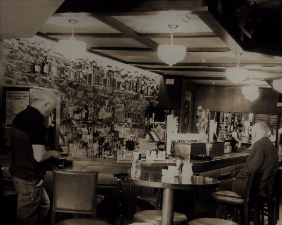 Ryan's Bar Navan: In monochrome.