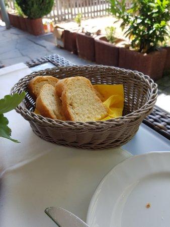 Biebesheim am Rhein, ألمانيا: Hausgemachtes Brot