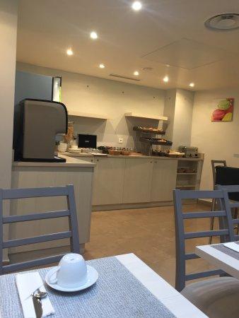 Hotel Eugenie $152 ($̶1̶6̶9̶)   UPDATED 2018 Prices U0026 Reviews   Paris,  France   TripAdvisor