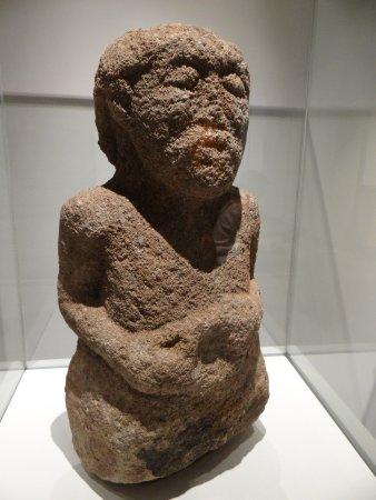Musee Fenaille: Statue