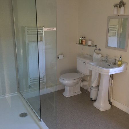Holmebridge, UK: Bathroom 1