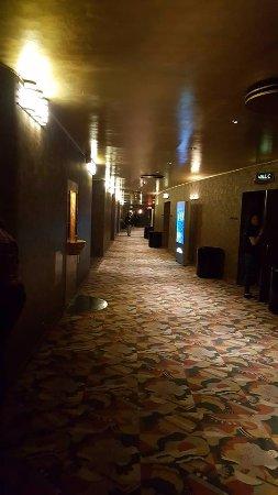 Radio City Music Hall Stage Door Tour : Met het tapis plein voelt het gebouw toch wat verouderd aan