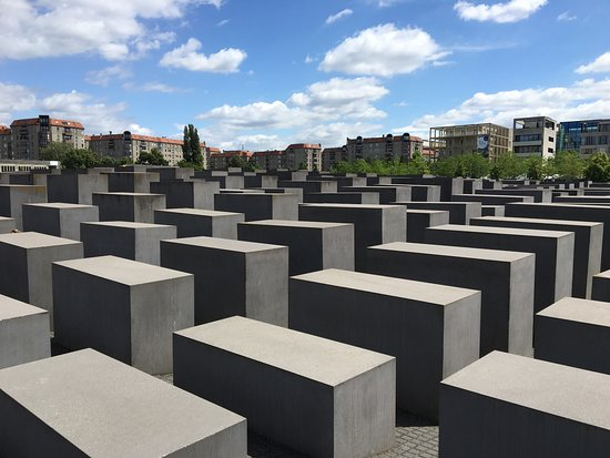 ‪The Holocaust Memorial - Memorial to the Murdered Jews of Europe‬