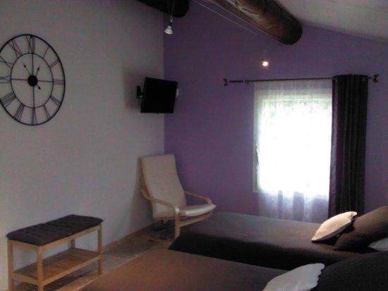 Rochegude, France: chambre n°2 de la suite familiale VIOLETTA