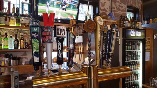 Simsbury, CT: Craft Draft Taps
