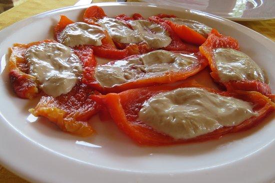 Paprika mit Bagna cauda - Picture of La Muscandia, Pino d\'Asti ...