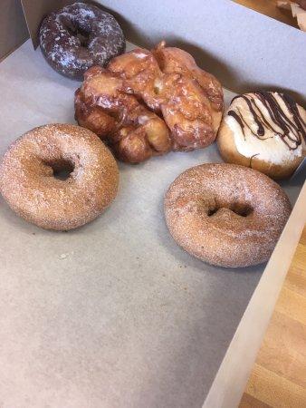 Hudsonville, MI: Sprinkles Donut Shop