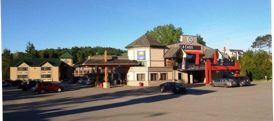 La Cage - Brasserie sportive: Avec le Comfort Inn